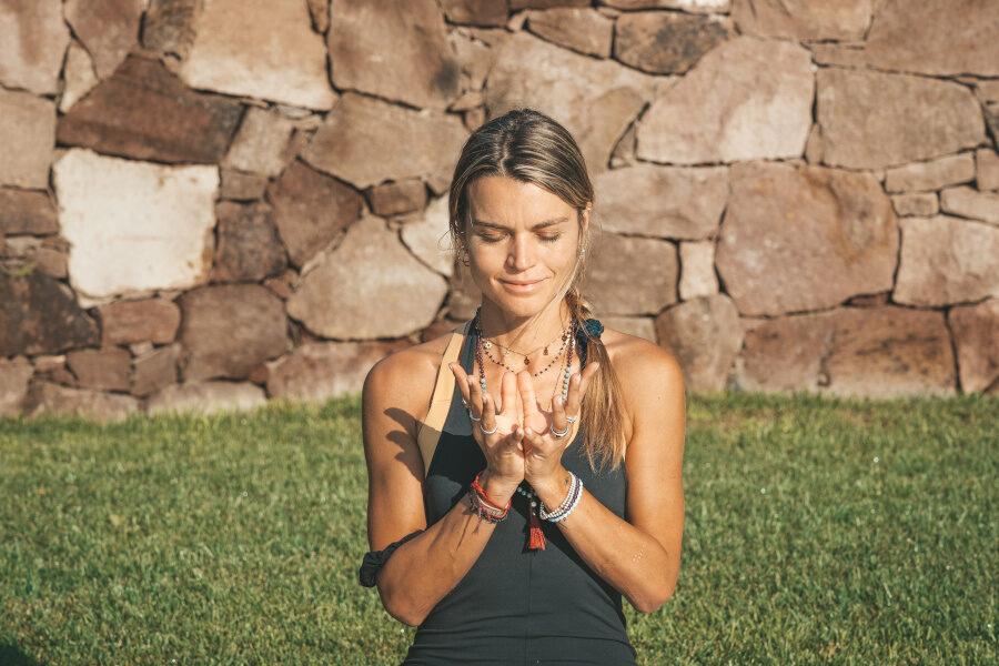 Come lo Yoga può farti amare il tuo corpo
